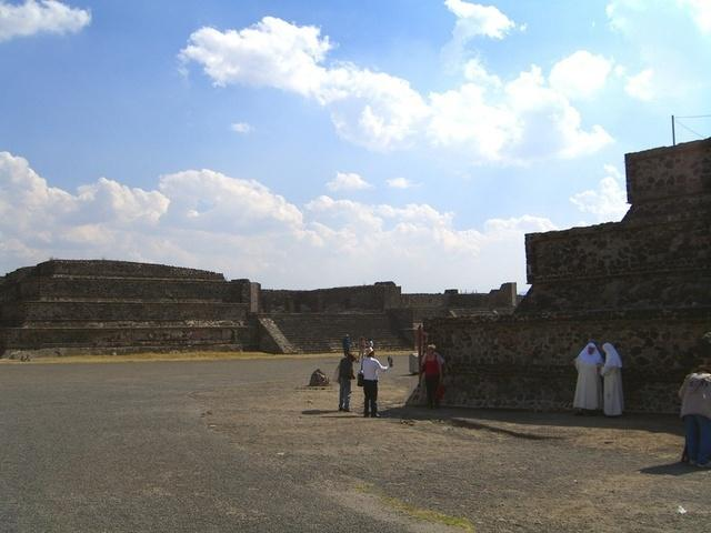 Turistas en Teotihuacan