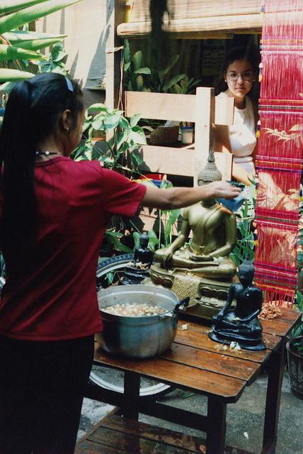 Ofrendas en el Songkran Festival