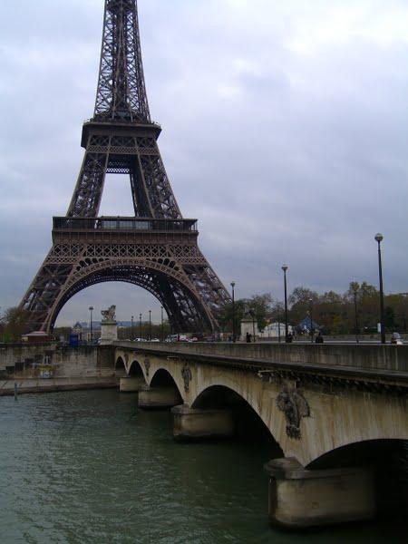 Puente y torre Eiffel