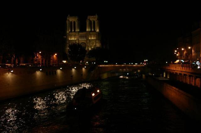 Notre Dame y el Sena, de noche