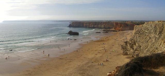 Playa del barril, con San Vicente al fondo